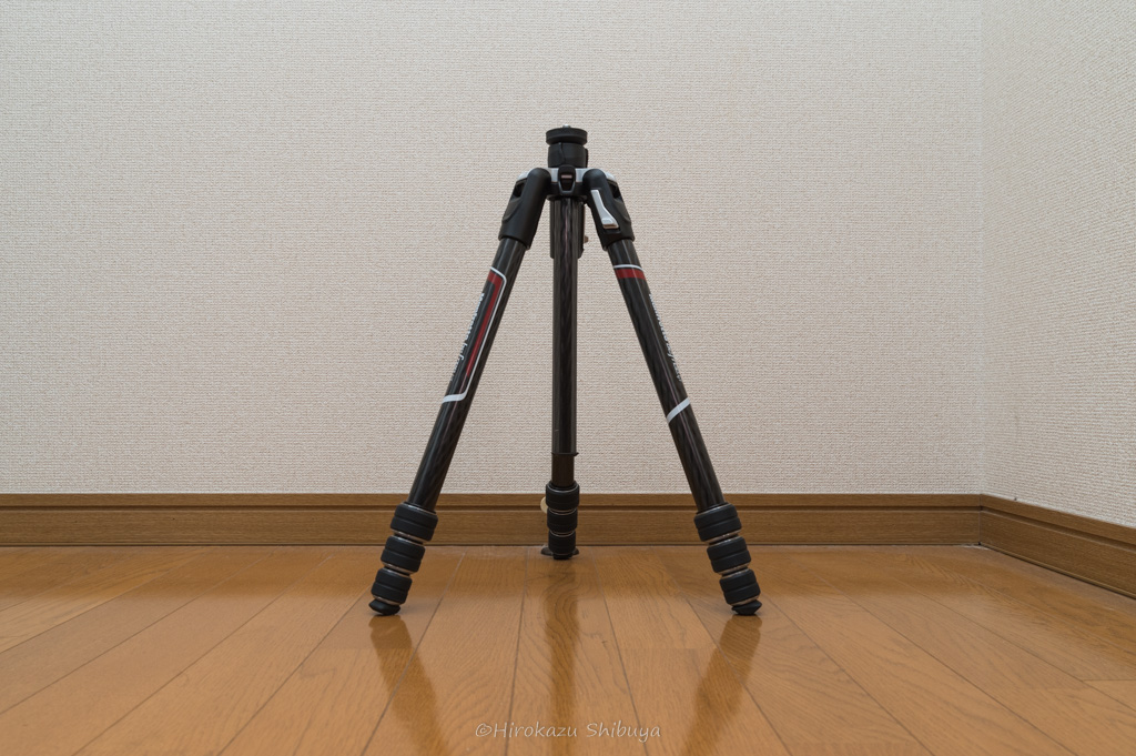 Manfrotto befree GTの脚の開きは三段階で調整可能